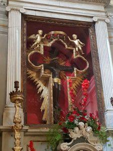 Crocifisso nero nella chiesa di san Nicolò a Pontremoli