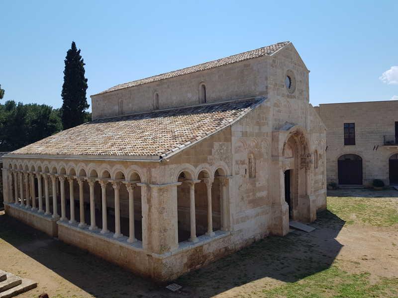 Abbazia di Santa Maria di Cerrate, Chiesa vista dalla loggia