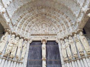 Portale nord - dettaglio arcata centrale. Cattedrale di Chartres