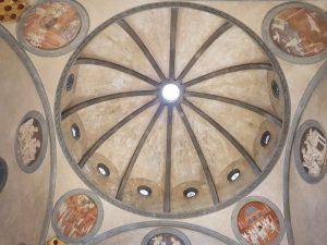 Sagrestia vecchia di san Lorenzo, cupola. Nei pennacchi, tondi di Donatello