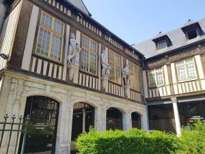 Casa a graticcio in Rue Amiens