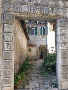 Palazzo Comitale, portale d'ingresso