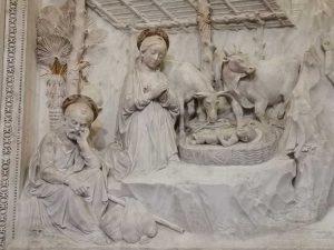 Sant'Anna dei Lombardi, Antonio Rossellino, Cappella Piccolomini, altare - dettaglio della Natività