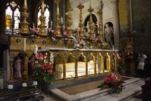 Santa Maria sopra Minerva, altare maggiore e tomba di santa Caterina da Siena @santamariasopraminerva.it
