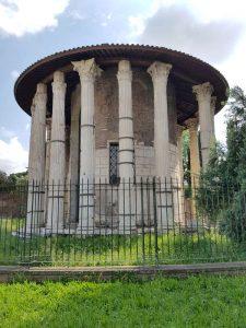 Foro boario di Roma. Tempio di Ercole vincitore