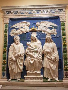 Museo civico, Andrea della Robbia, Madonna col Bambino tra i santi Bartolomeo e Longino