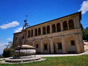 Canonica e pozzo, Tempio di san Biagio