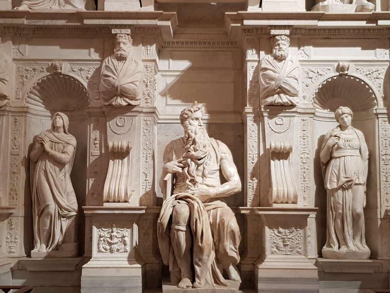 Basilica di san Pietro in Vincoli. Michelangelo Buonarroti, Monumento funebre di Giulio II