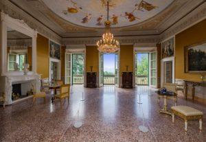 Salone della villa @ Villa Reale di Marlia