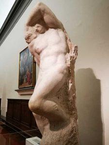 Prigione giovane. Prigioni di Michelangelo