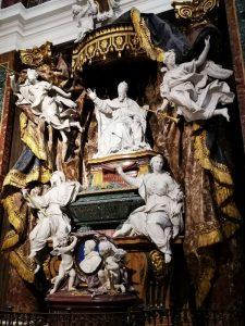 Chiesa di Sant'Ignazio a Roma. Cappella Ludovisi, con il monumento funebre di papa Gregorio XV e del nipote, Cardinale Ludovico Ludovisi